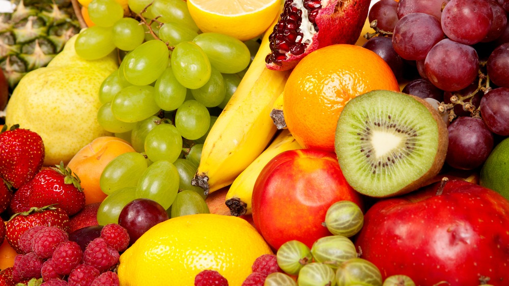 Can you eat fruit on a low-carb diet? Yes, but only if it ...